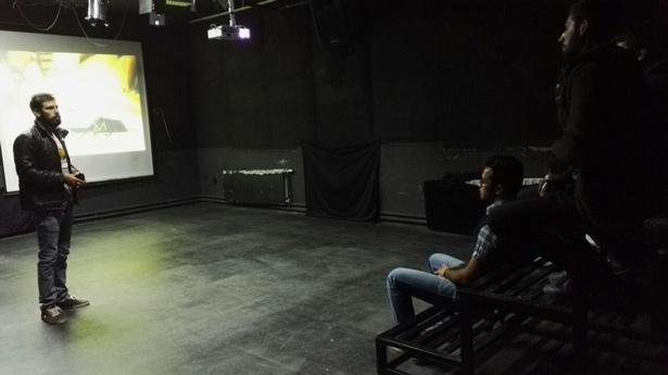 اکران هفتگی انیمیشن در پلاتوی دانشکده هنر